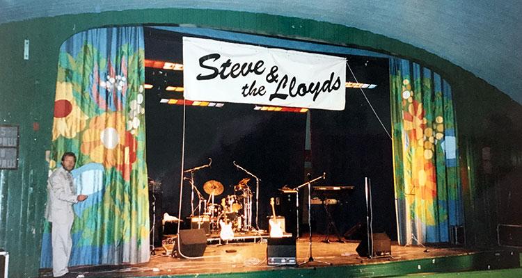 steve-and-the-lloyds-19-12.jpg