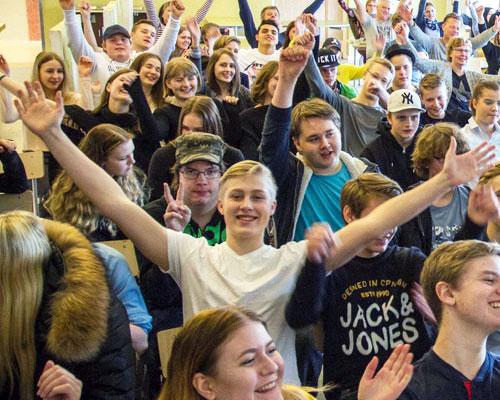 HallandsPosten - SaraClaes för högstadiet på Veingeskolan