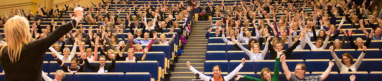 SaraClaes / SaraClaes tillsammans med publik